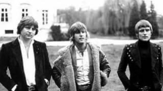 "Dall' album "" Love Beach"" ( 1978 )"