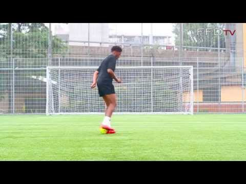Arsenal FC & England U21s Forward Chuba Akpom - Skills Session