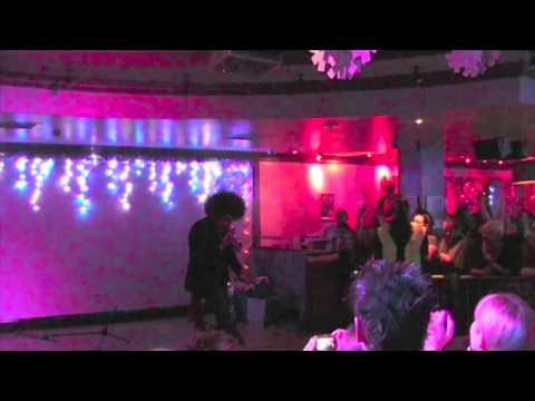 Jamie 'Afro' Archer @ Chicago Rock Cafe Windsor 1 Of 3