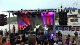 "Gabby Barrett sings Marren Morris' ""My Church"" @ American Idol Homecoming concert"