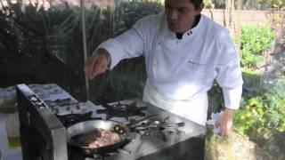 Mini lamb burgers with piquante sauce