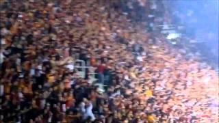 Crazy and Amazing Galatasaray ULTRASLAN Fans FIGHT Video in ( HD ) Hooligans from Turkey Burn