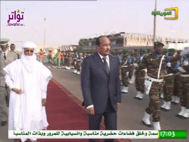 ولد عبد العزيز يجري توقفا في النيامي في طريق عودته من الإمارات - قناة الموريتانية
