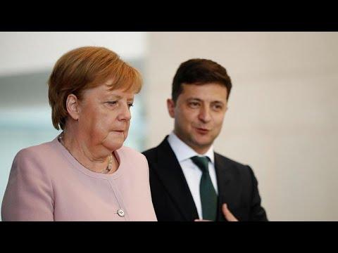 Ангелу Меркель затрясло