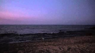 Вечернее море - общение с природой. Крит.(Вообще случайно отснятое видео... Порой удивляет эта способность детей чувствовать природу и уметь с ней..., 2013-08-13T09:21:52.000Z)