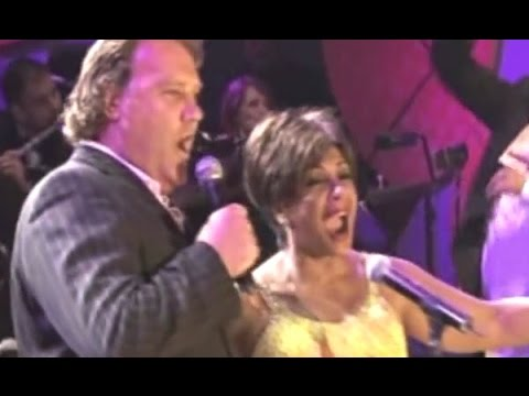 Shirley Bassey & Bryn Terfel - We'll Keep A Welcome (duet) (2006 Feanol Festival Live)
