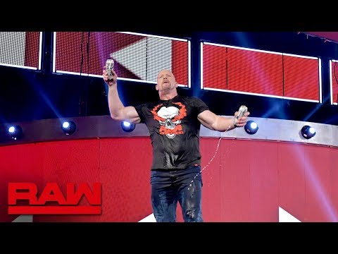 Theresa - Stone Cold After the Cameras Shut Off at WWE RAW REUNION (VIDEO)