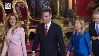 Espantoso ridículo de Pedro Sánchez y Begoña Gómez en el besamanos de los Reyes