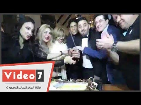 مجد القاسم يرقص بالسكين فى حفل إطلاق ألبومه الجديد -نكته بايخة-  - نشر قبل 21 ساعة