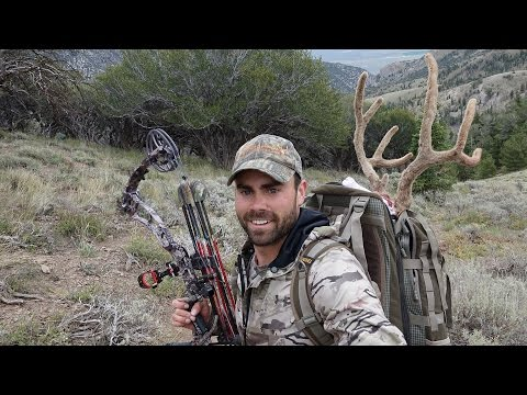 S:6 E:4 Bow Hunting Velvel Mule Deer in Nevada with Remi Warren of SOLO HNTR