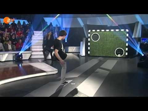 Torwand: BVB-Chef trifft auf den YouTube-Kandidaten