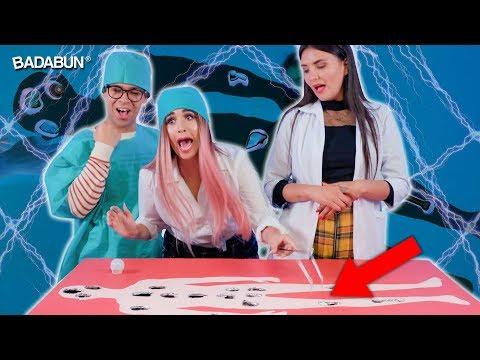 YouTubers Mujeres VS El hospital Maldito