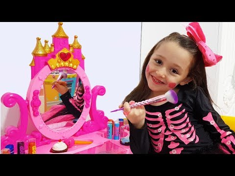 Öykü Pretend Play Dress Up and Make Up Toys - Princess Party Prepation - Funny Oyuncak Avı