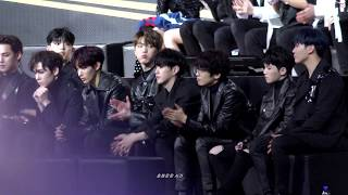 """181214 MAMA in Hong Kong """"가수석 세븐틴-BTS 올해의 가수상 수상소감"""" SEVENTEEN 직캠  홍콩 마마"""