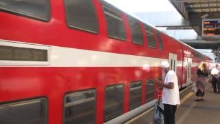 רכבת הקומותיים המהירה אל באר-שבע נכנסת אל תחנת תל אביב סבידור מרכז