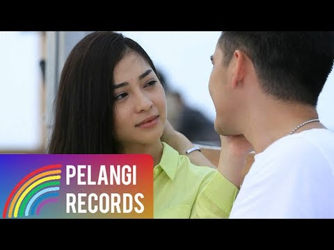 Nikita Willy - Angin (Dua Wanita Cantik Version)