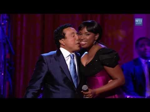 "Smokey Robinson & Jennifer Hudson Perform ""People Get Ready"" 