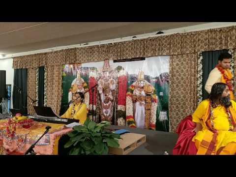 Murlika Ji in US 2017 - Bhagwat Katha at Minneapolis Hindu Temple MN Day 4  Part 5