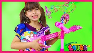 LAURINHA PLAYS WITH DISNEY PRINCESS TOY GUITAR MAGIC AND STARS A BAND COMPILATION
