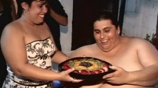 Funeral held for Manuel Uribe, the world's heaviest man, in Mexico