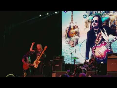 "Ace Frehley ""Strange Ways"" LIVE at The Bomb Factory Dallas"