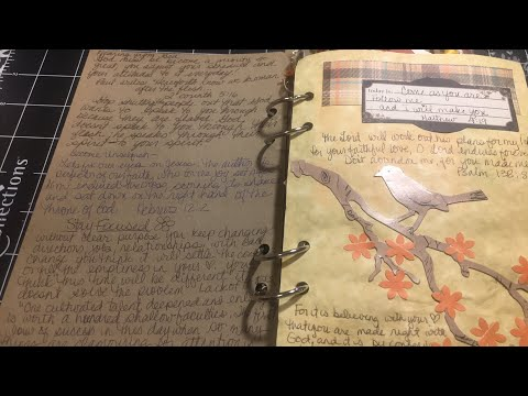 Live junk journal walk thru and chat with dearjuliejulie