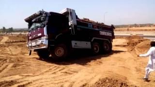 Stuck Nissan diesel cw53 dumper (BKC)