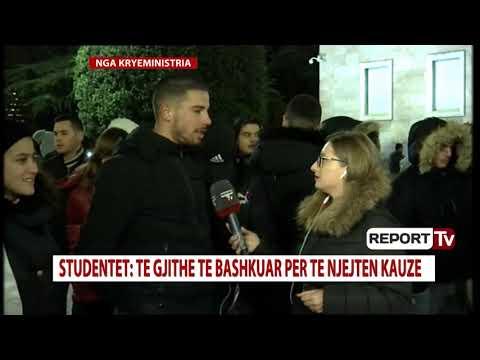 Studentët shtrojnë mbulesat në tokë: Do kalojmë natën përpara Kryeministrisë