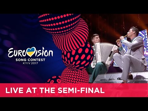 Second Semi-Final opening: Eurovision songs, the Ukrainian way!
