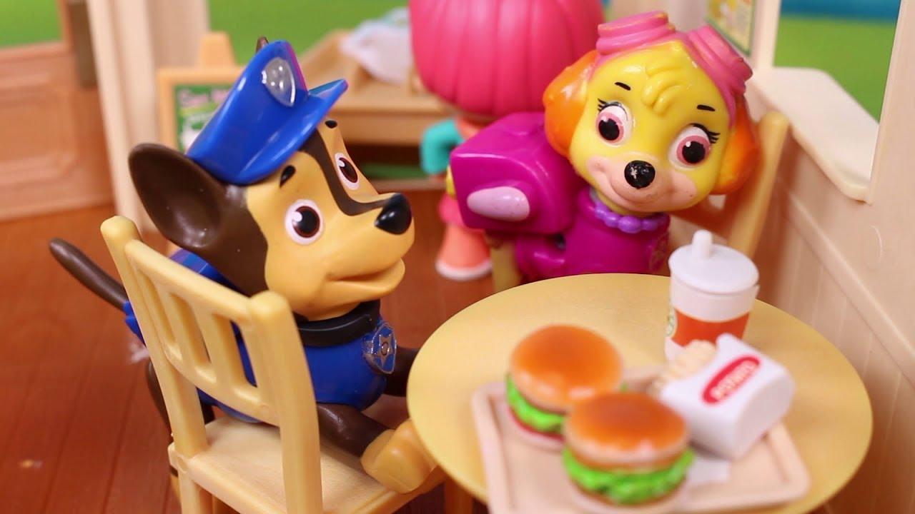 5ba0960e6371 🐾 PATRULLA CANINA 🐾 Sky y Chase quedan en la hamburguesería ...