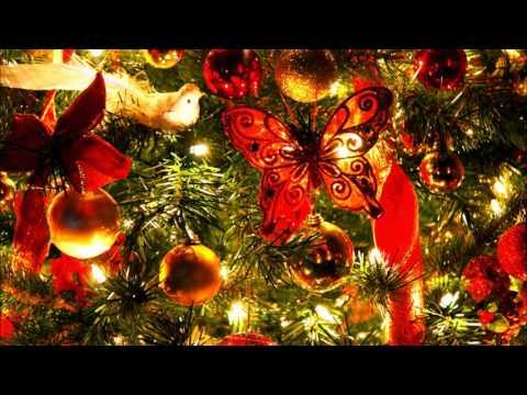 Клип Bing Crosby - Is Christmas Only A Tree