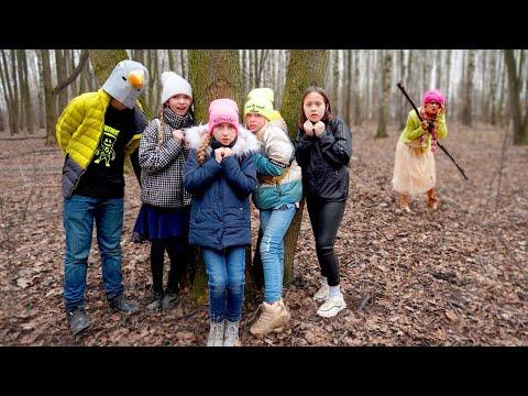 1 АПРЕЛЯ в ШКОЛЕ! Страшная УЧИТЕЛЬНИЦА и Богатые школьники пропали в лесу!
