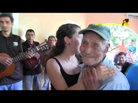Don Tomas de 94 años le entra con todo al baile como decirle no a esta niña linda Ediciones Mendoza
