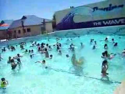 Wave pool piscina con olas  YouTube