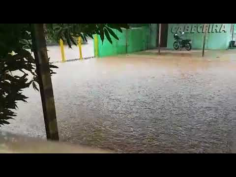 Rondonópolis - rua Poxoréu alagada