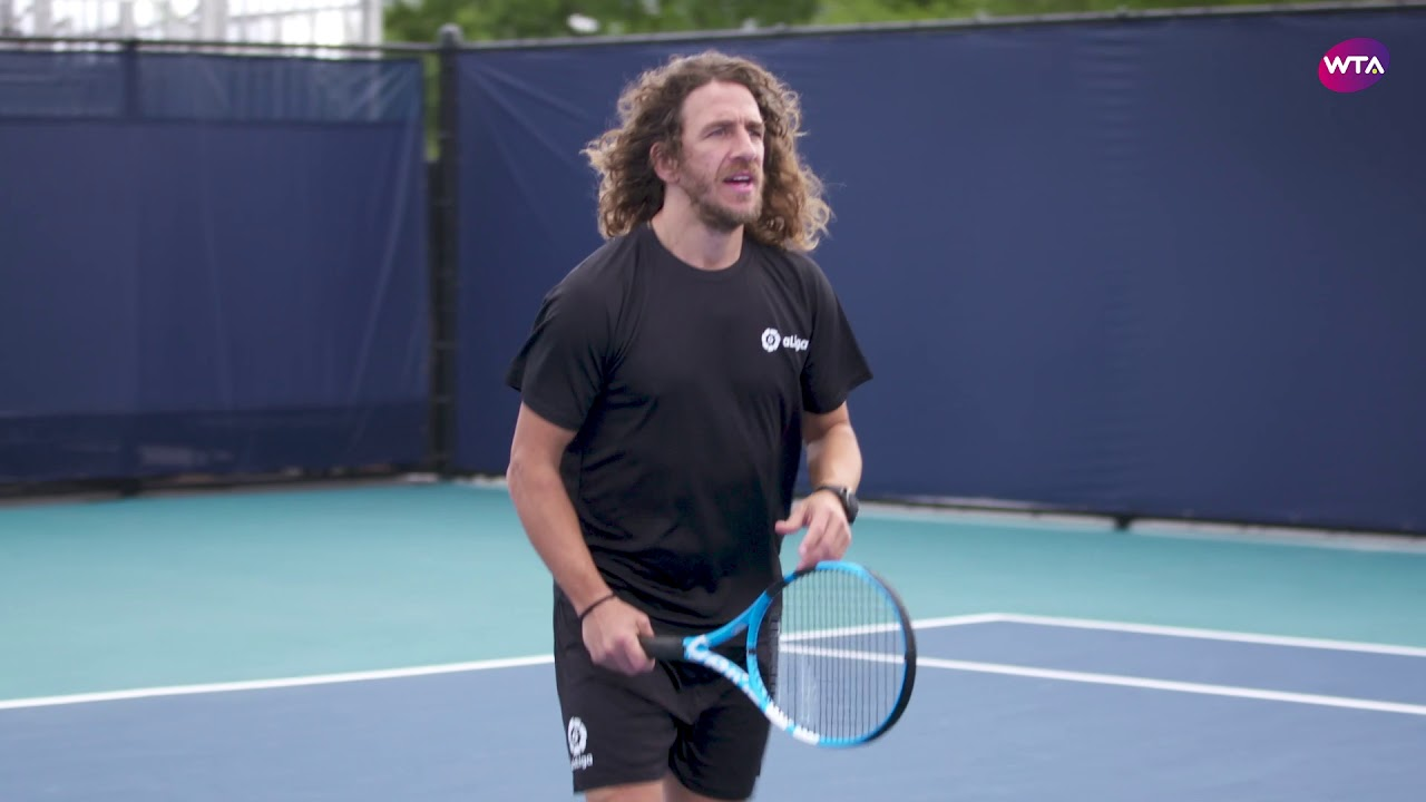 Carles Puyol Plays Tennis with Garbiñe Muguruza!