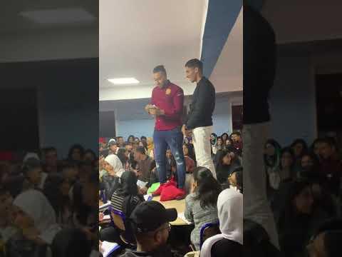فيديو التبوريشة.. أول أستاذ فالمغرب كيحفز التلميذ ديالو ب 4 مليون كاش حيت حفظ الدرس ديالو
