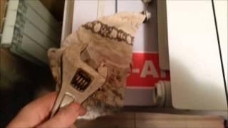Как собрать биметаллический радиатор отопления самостоятельно(Подробнее на нашем сайте http://kaketosdelano.com/ Перед монтажом алюминиевого или биметаллического радиатора отопле..., 2014-11-26T20:59:57.000Z)