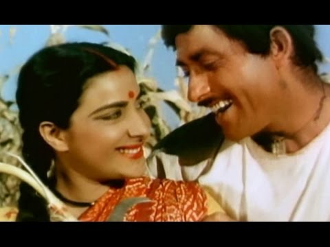 Nargis loves her husband - Mother India