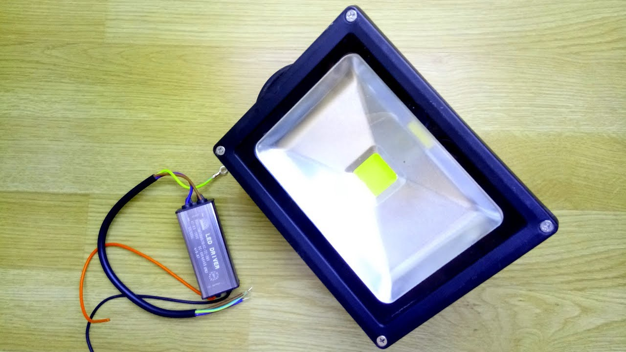 How To Repair The Led Floodlight Reflector Lamp Youtube Simple Highpower Driver Circuit Light Flashlight Circuitedited