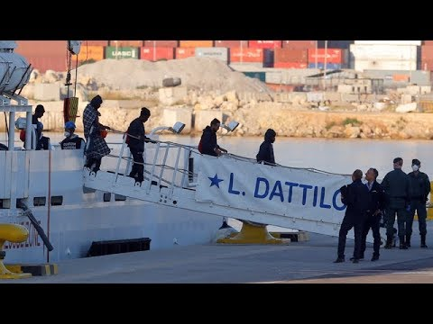 Rescue ship docks in Spain carrying hundreds of asylum seekers