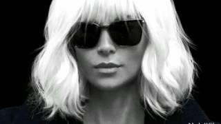 взрывная блондинка кино оценка #8