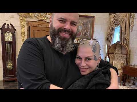 «Она трезвой на сцену не выходила»: Скандал между Наргиз и Фадеевым набирает обороты