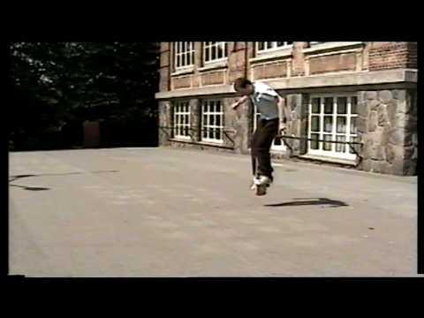 Claus Langkjær - Freestyle skateboard trick