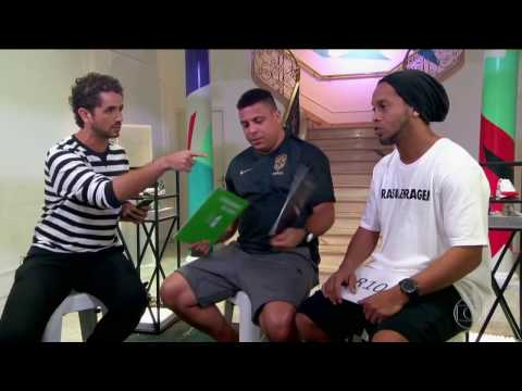 "Interviewer asks Ronaldo and Ronaldinho: ""Who was the best at Barcelona?"""