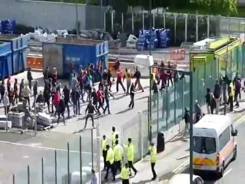 Batalla  entre aficionados del Borussia y del Bayern  2013