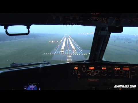Boeing 737 cockpit landing
