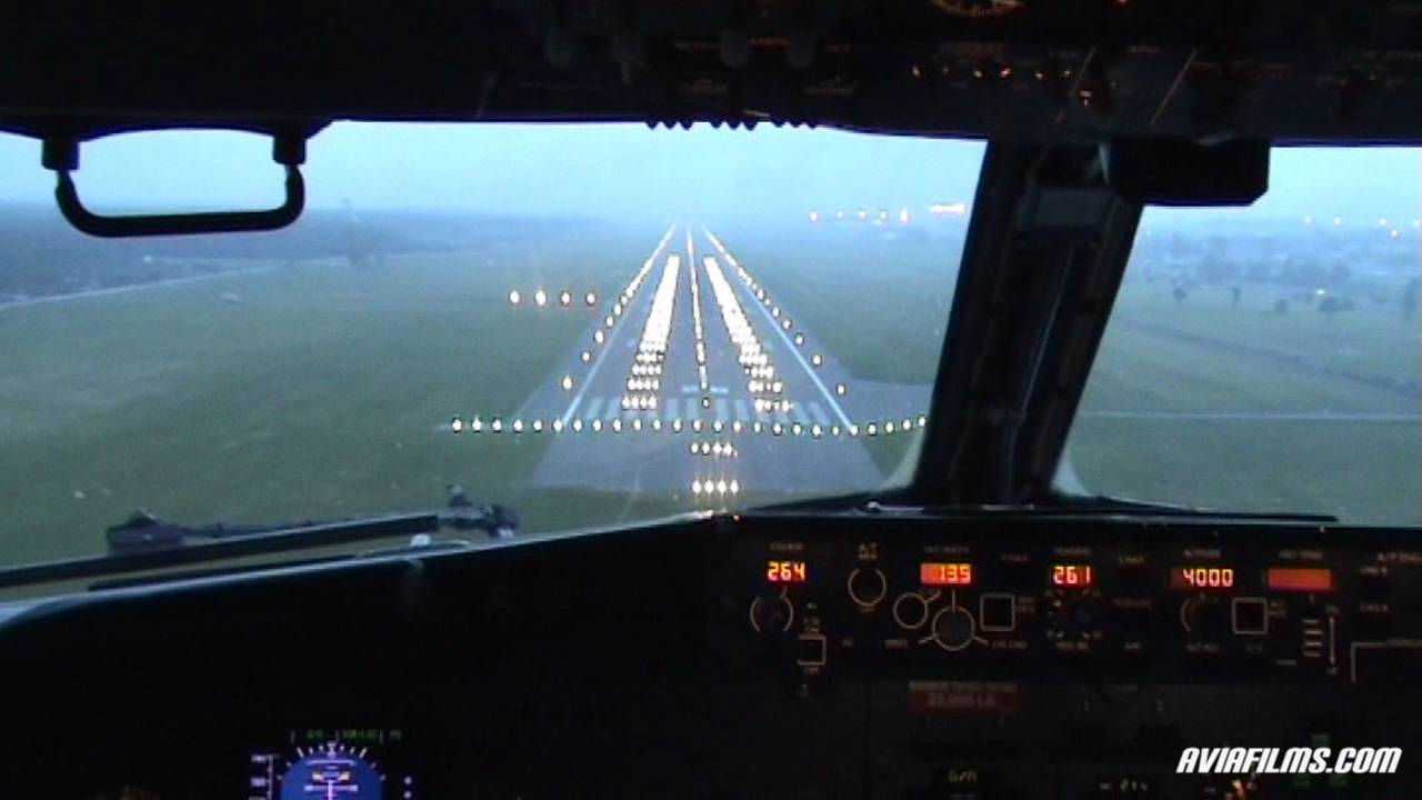 Boeing 737 Cockpit Landing Youtube