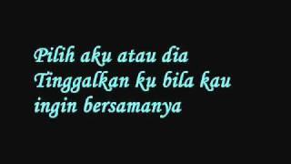 Nubhan - Aku Atau Dia (Lirik)