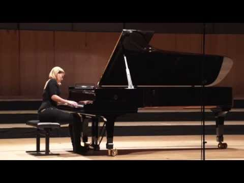 "L.v.Beethoven - Sonata no. 14 ""Moonlight"" op. 27, 2 - Annika Treutler"